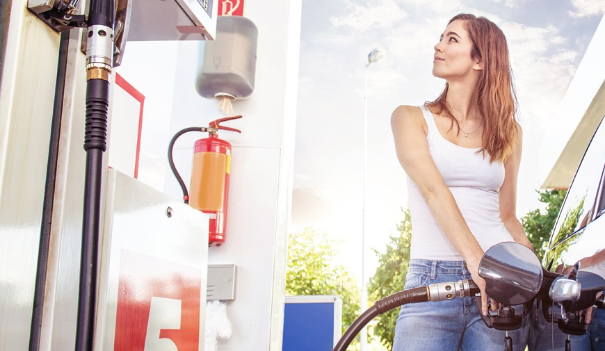 10 Great Ways to Save at the Pump
